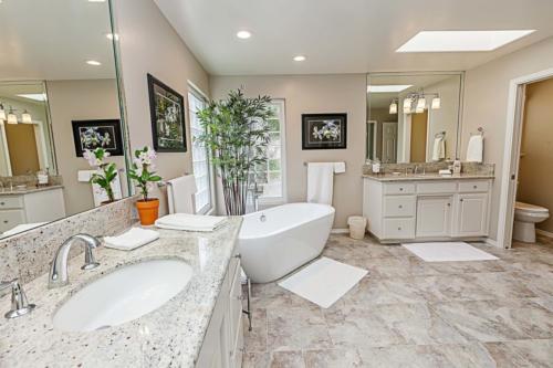 Bathroom image-1